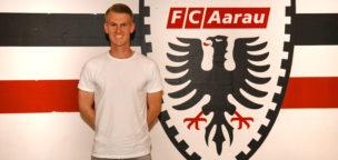 Teaser-Bild für Beitrag «Torhüter Simon Enzler leihweise zum FC Aarau»