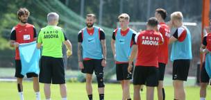 Teaser-Bild für Beitrag «Erstes FCA-Training unter Livio Bordoli im Regen»