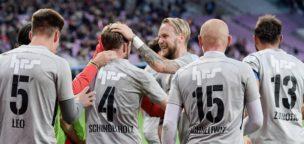 Teaser-Bild für Beitrag «Neumayr und Schindelholz bleiben beim FC Aarau»