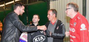 Teaser-Bild für Beitrag «Als Glücksbringer beim Handball-Kantonsderby»