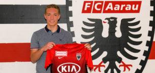 Teaser-Bild für Beitrag «Drei-Jahres-Vertrag für Goalietalent Marvin Hübel»