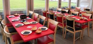 Teaser-Bild für Beitrag «Spaghetti-Plausch vor dem Chiasso-Spiel im VIP-Zelt»